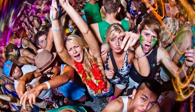 Foto: Descinderi în cluburile constănţene. Evaziune fiscală şi afaceri cu droguri
