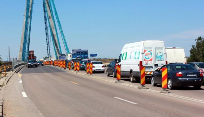 Foto: CNADNR închide total traficul pe Podul Agigea