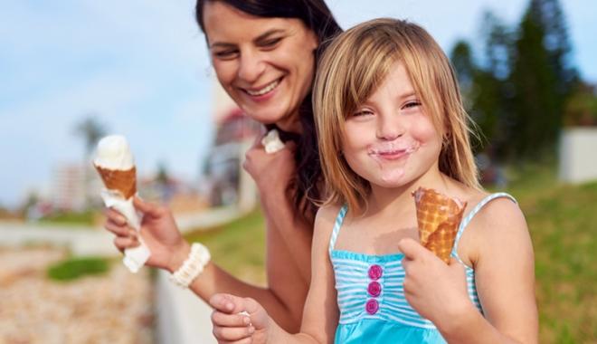 Foto: Voi ştiţi ce le daţi copiilor să mănânce? Câte E-uri conţine delicioasa îngheţată