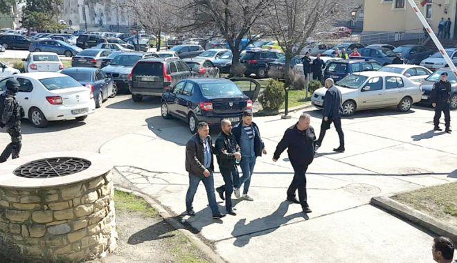 Foto: Cămătărie şi şantaj, la Constanţa. Victimă păgubită cu 200.000 de euro