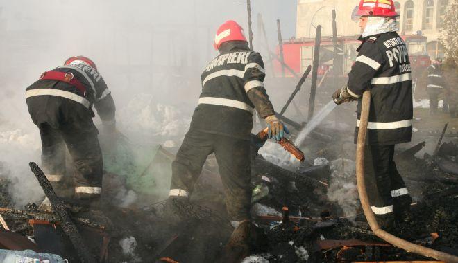 Tragedia care a îndoliat Medgidia: doi pompieri arși de vii într-un incendiu la un siloz de cereale! - jos-1617726883.jpg