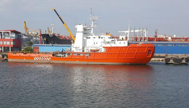 După ce ați prăpădit flota națională, după ce distrugeți Radionav, ARSVOM și ANR, veți desființa și Marea Neagră? - jos-1626375018.jpg