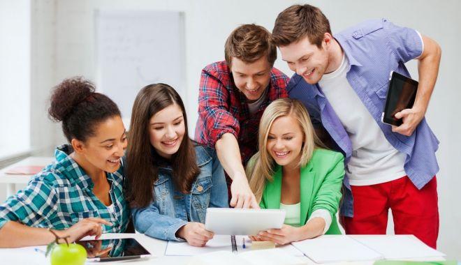 În scandalul burselor de merit, liderii elevilor sunt dezamăgiți de... verticalitatea Ministerului Educației - jos-1633713410.jpg