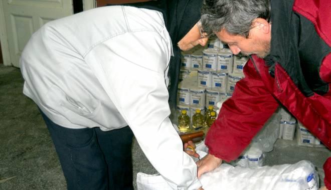 Foto: Când se distribuie pachetele cu alimente pentru persoanele cu venituri mici