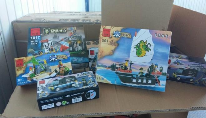Foto: Jucării susceptibile a fi contrafăcute, confiscate în Portul Constanţa Sud Agigea