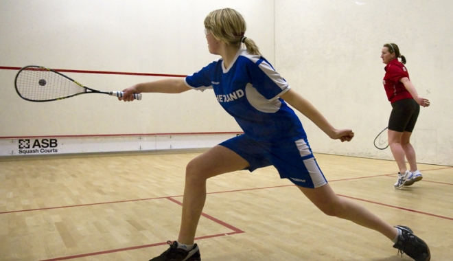 Foto: Jucători din Gibraltar  şi Insula Man, la Europenele  de squash de la Bucureşti