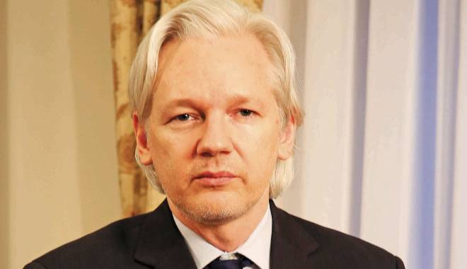 Foto: Franța respinge cererea de azil depusă de fondatorul WikiLeaks, Julian Assange