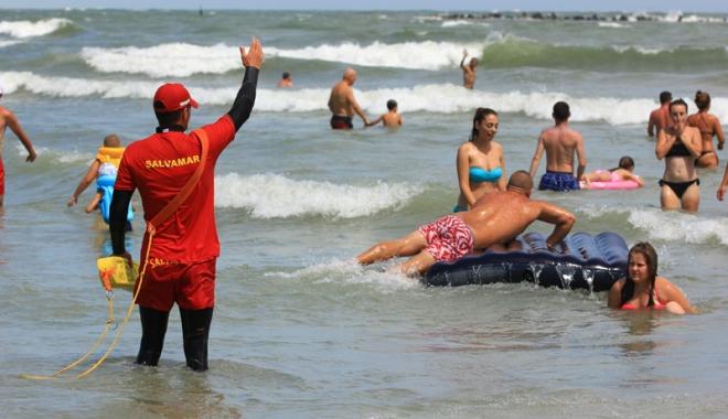 Foto: Jumătate din persoanele salvate de la înec ignoră avertismentele salvamarilor