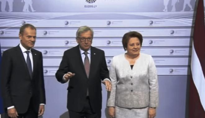 Foto: A CLACAT DIN NOU! Șeful Comisiei Europene, BEAT la summit-ul din Geneva