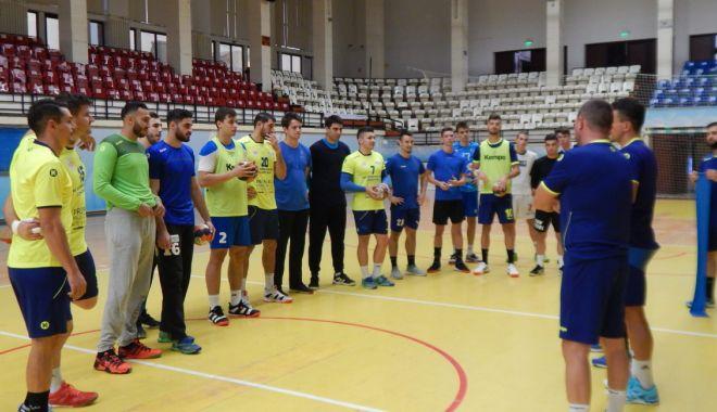 Foto: Juniorii și seniorii de la HC Dobrogea Sud, pregătire comună