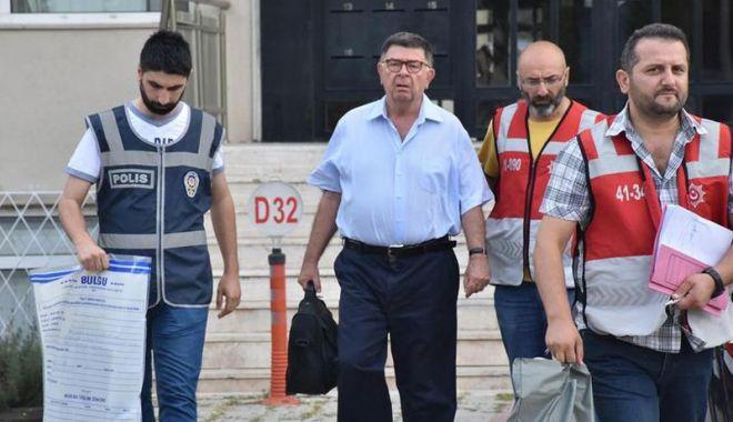 Foto: Jurnalistul Sahin Alpay, eliberat după 20 de luni de detenţie