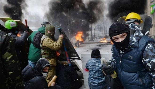 Foto: PROTESTE SÂNGEROASE LA KIEV / UE, pe punctul de a rupe relațiile cu Ucraina