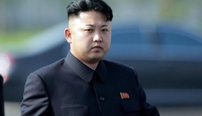 """Foto: Kim Jong-un începe 2018 cu o ameninţare: """"Butonul nuclear se află în permanenţă pe biroul meu"""""""