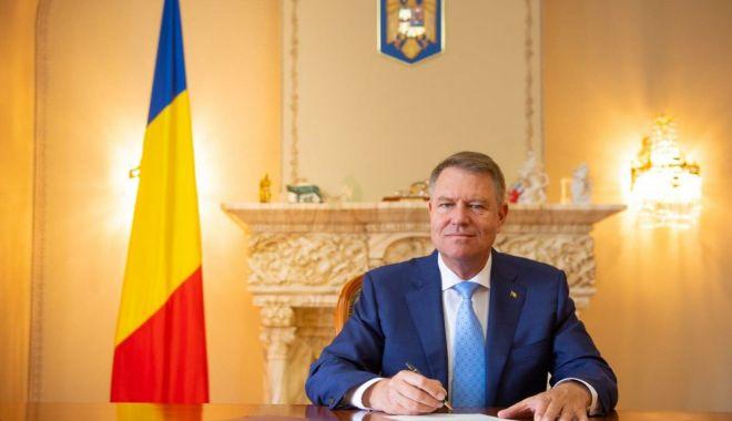 Foto: Preşedintele Klaus Iohannis: Devotamentul și abnegația cu care militarii noștri au slujit drapelul național au făcut ca România să fie astăzi o țară respectată
