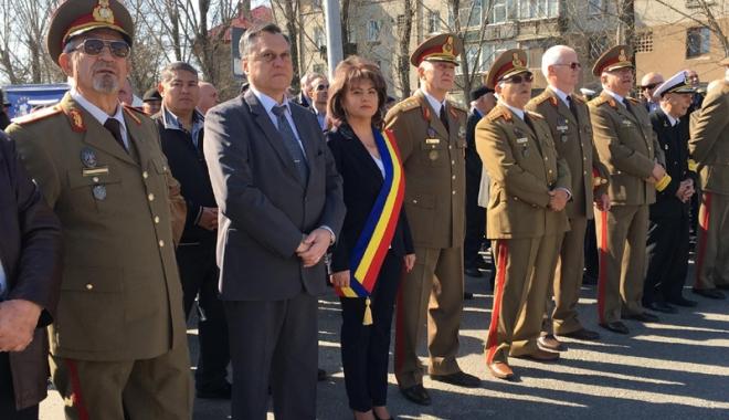 """Foto: Administraţia locală din Mihail Kogălniceanu i-a cinstit pe eroii Regimentului 36 """"Vasile Lupu"""""""