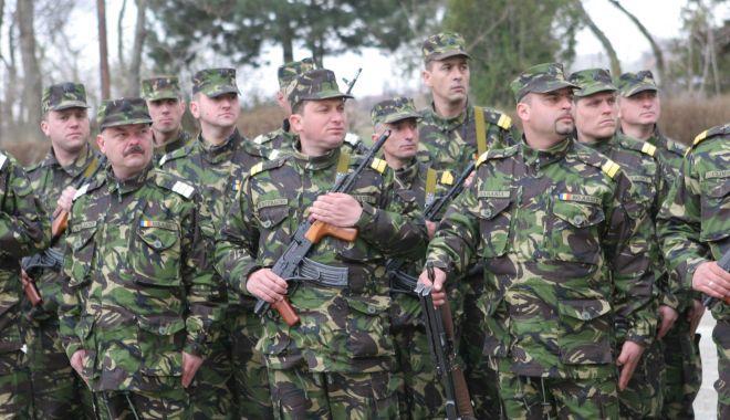 Imagini de colecţie! Militari români, misiune specială în Kosovo, 2005 - kosovo5-1523542819.jpg