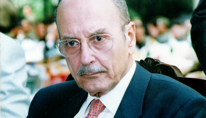 Foto: Costis Stephanopoulos, fost preşedinte al Greciei, a murit  la vârsta de 90 de ani
