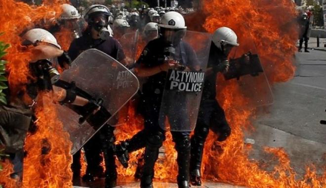 Foto: Noi măsuri de austeritate în Grecia. Se anunță proteste violente