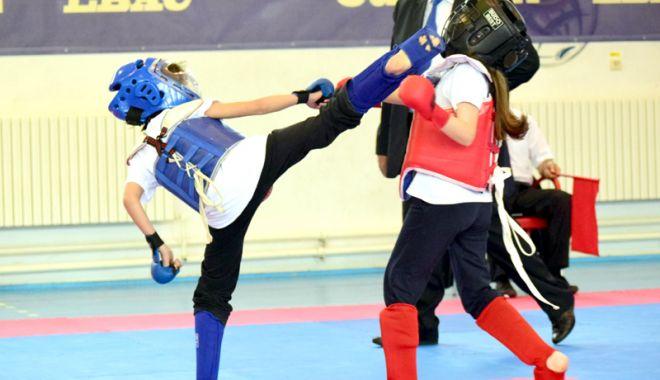 """Foto: Duminică, la Complexul Sportiv """"Tomis""""  Foşnet de kimono! """"Judeţenele"""" de Kung-Fu şi Karate Kyokushin"""