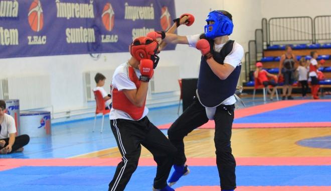 Judeţul Constanţa dă ora exactă în Kung Fu - kungfuconstanta-1484058126.jpg