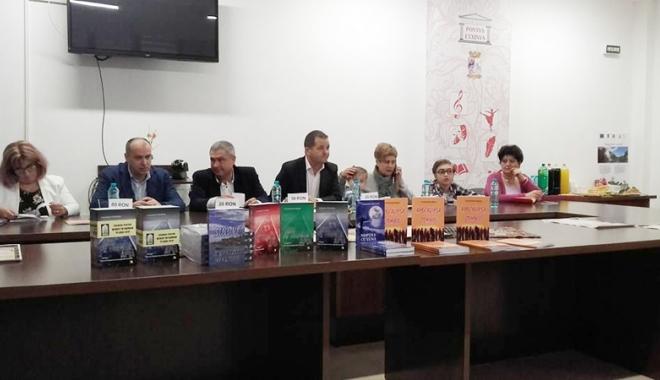 La doar 11 ani, elevul  Alexandru Matei şi-a lansat cartea - ladoar11ani1-1493130863.jpg