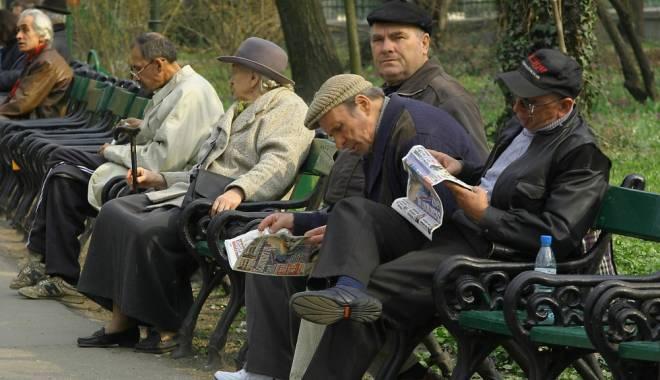 Foto: Veşti bune pentru pensionari. În decembrie, pensiile...