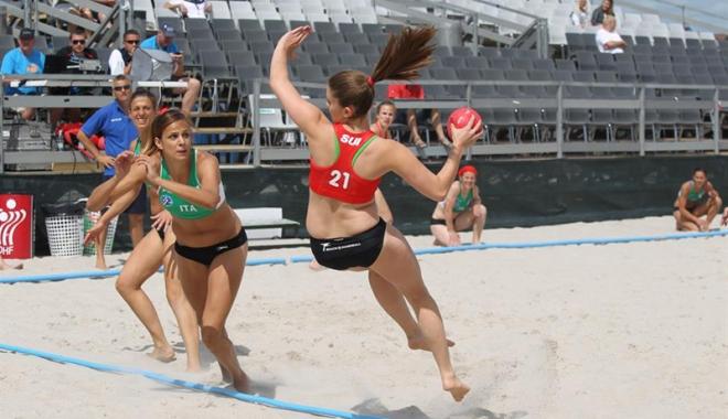 Foto: La Mamaia, se decide campioana naţională  la beach handbal