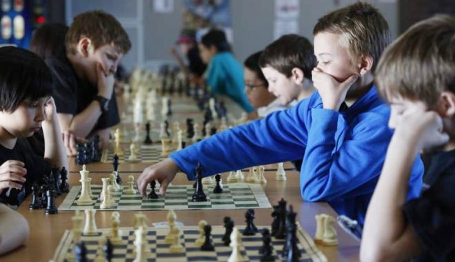 Foto: La Mamaia, începe Campionatul European de şah juniori