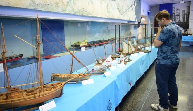 Foto: La Muzeul Marinei, Campionatul Naţional de navomodele