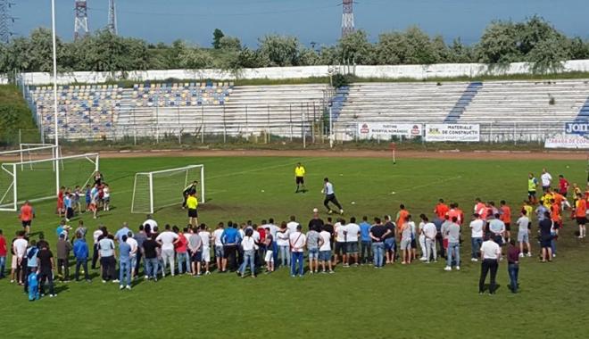 Foto: La Năvodari, începe Cupa Prieteniei la fotbal