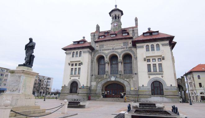 Lansare de carte la Muzeul de Istorie Constanţa - lansare-1603872663.jpg