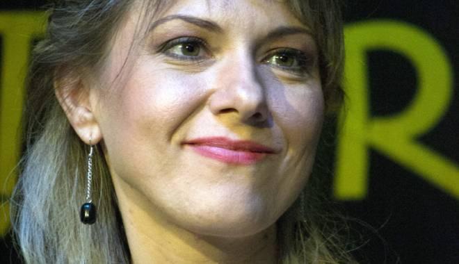 Foto: Lansare de carte  a unei jurnaliste  de la TVR