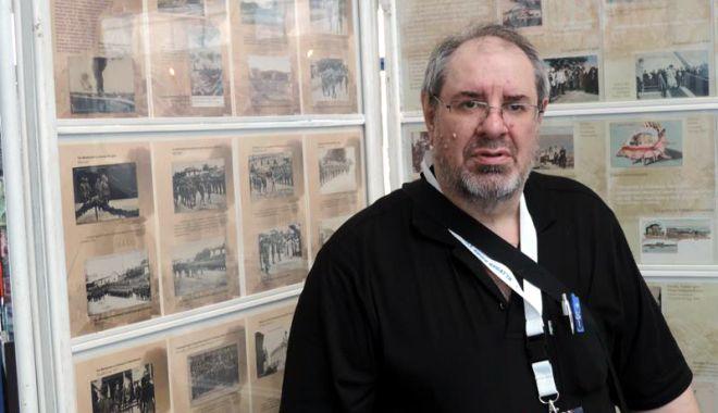 Foto: Arhitectul Radu Cornescu îşi lansează o nouă carte