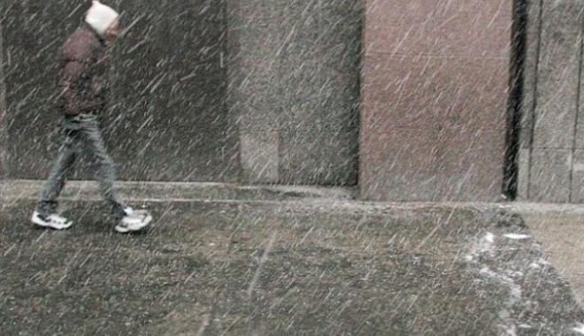Foto: ALERTĂ METEO: SE ÎNRĂUTĂŢEŞTE VREMEA DE AZI, ÎN TOATĂ ŢARA! Ploi, lapoviţă, ninsori şi viscol