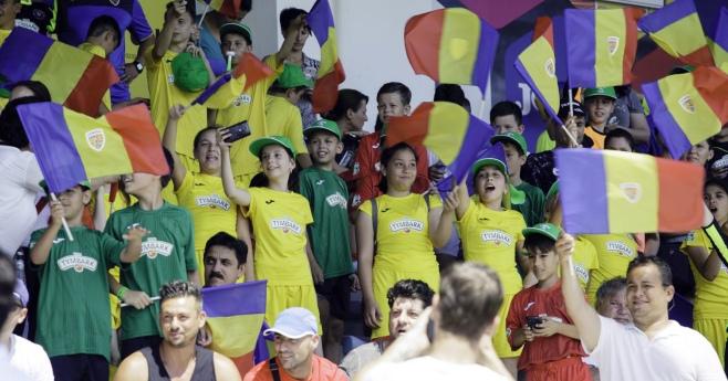 Foto: Lăsați copiii să vină la fotbal! Record stabilit la meciul România - Norvegia