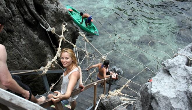 Laura Cosoi, vacanță exotică cu iubitul ei - lauracosoi-1360500650.jpg