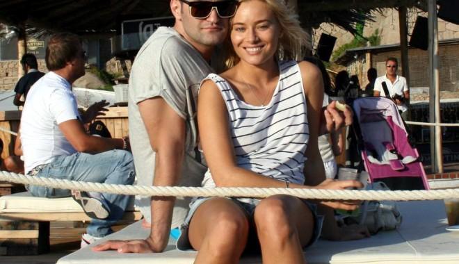 Laura Cosoi și Smiley,  relație formală?! - lauracosoismiley-1339071065.jpg