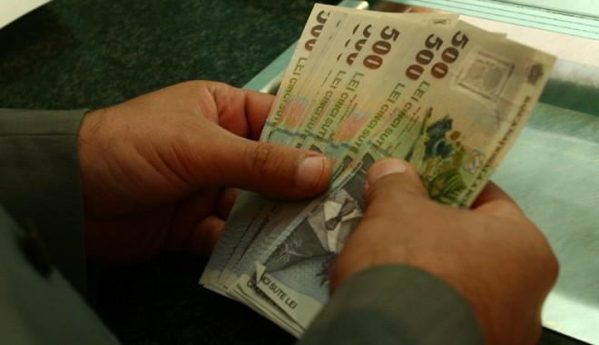 Foto: Numărul restanţierilor la bănci şi IFN-uri, în creştere