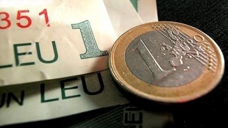 Foto: Euro a cedat 0,5% în lupta cu leul