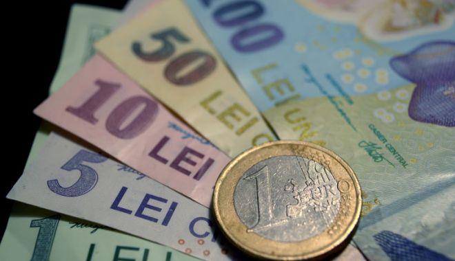 Euro a cedat 0,02% în lupta cu leul - leueuro-1607088648.jpg