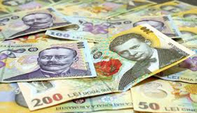 Foto: Leul câştigă la euro şi francul elveţian