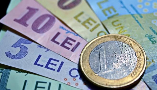 Foto: Euro pierde 0,05% în lupta cu leul