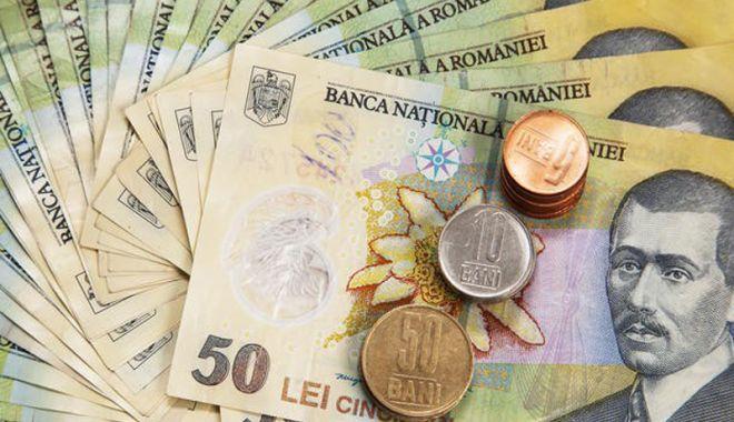 Foto: Leul câștigă la euro și franc, dar pierde la dolar