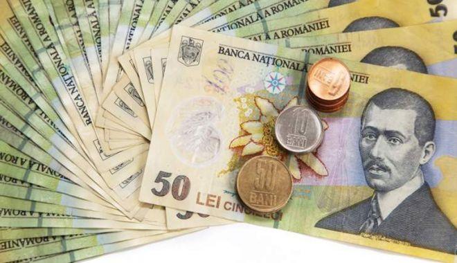 Foto: Leul câștigat împotriva tuturor valutelor