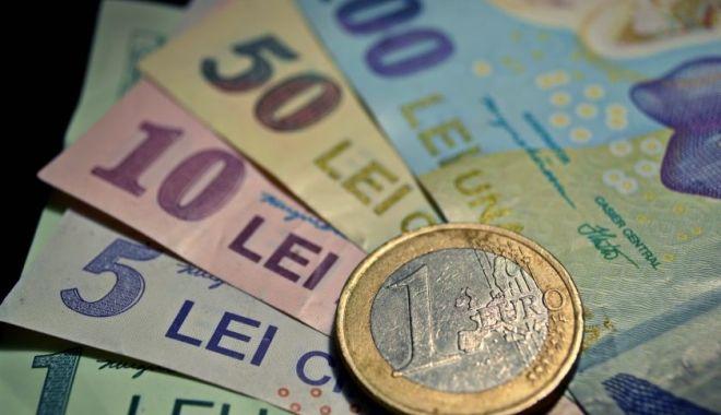 Leul câștigă la euro, dar pierde la dolar și francul elvețian - leul-1551731427.jpg