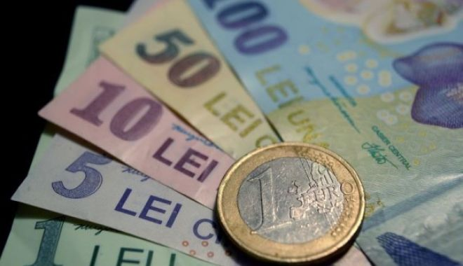 Foto: Leul s-a depreciat în raport cu principalele valute