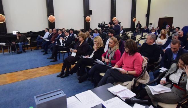 Foto: Liberalii amenință că nu votează bugetul Constanței propus de edilul Decebal Făgădău