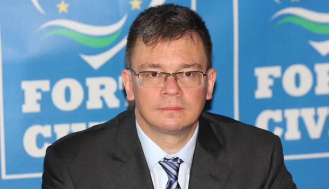 Foto: Liberalul Mihai Răzvan Ungureanu, nominalizat director al SIE