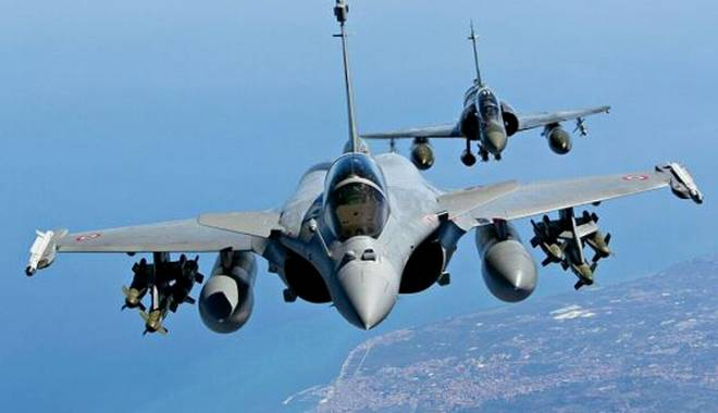 Foto: Francezii au bombardat un centru de comandament al grupării Statul Islamic în Irak