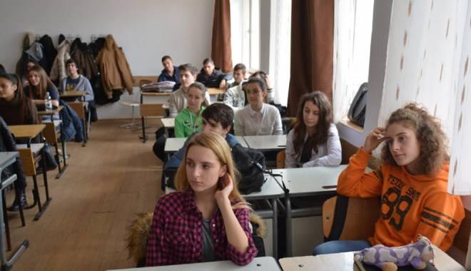Liceenii din Eforie reprezintă România  peste Ocean - liceenieforie-1455730732.jpg